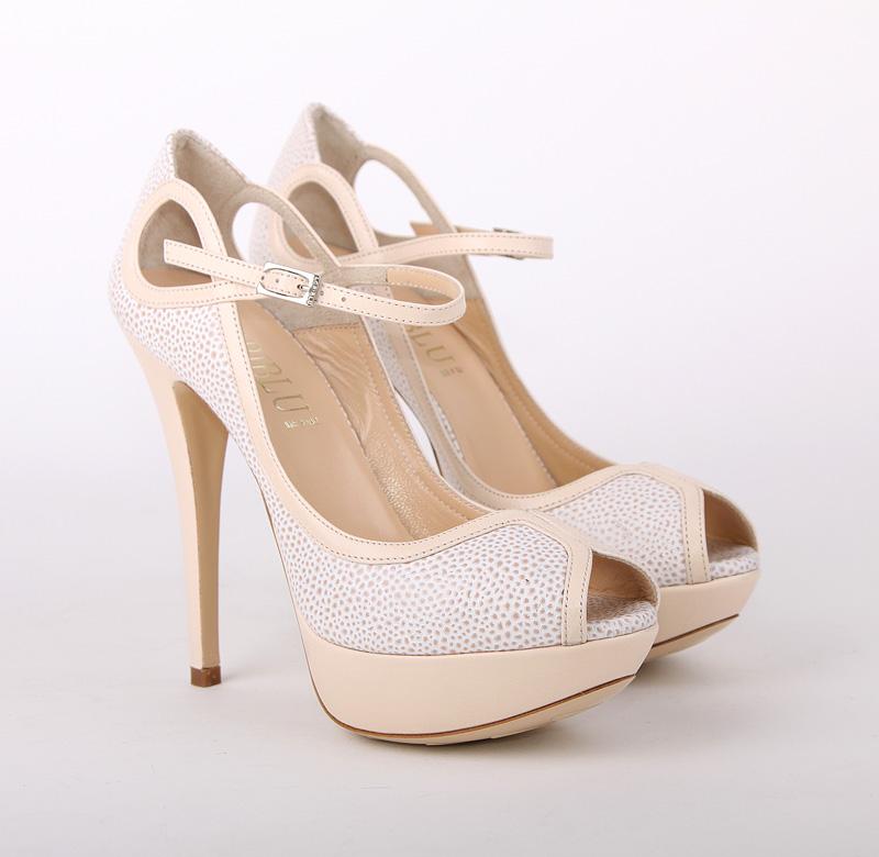 Женская обувь Zara (весна) , Весна-лето 2012