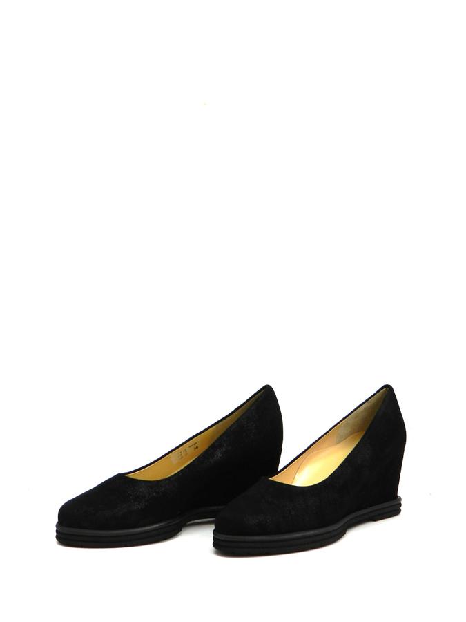 aa9cf288578c Замшевые туфли на танкетке Brunate 50810 cam nero. женская обувь ...